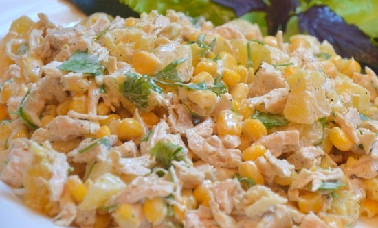 Salat-s-kuritsey-kukuruzoy-i-ananasami (550x333, 109Kb)