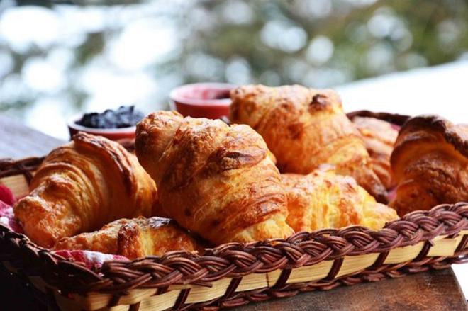 1412945719_domashnie-kruassany-po-receptu-francuzskoy-konditerskoy-1 (660x439, 249Kb)