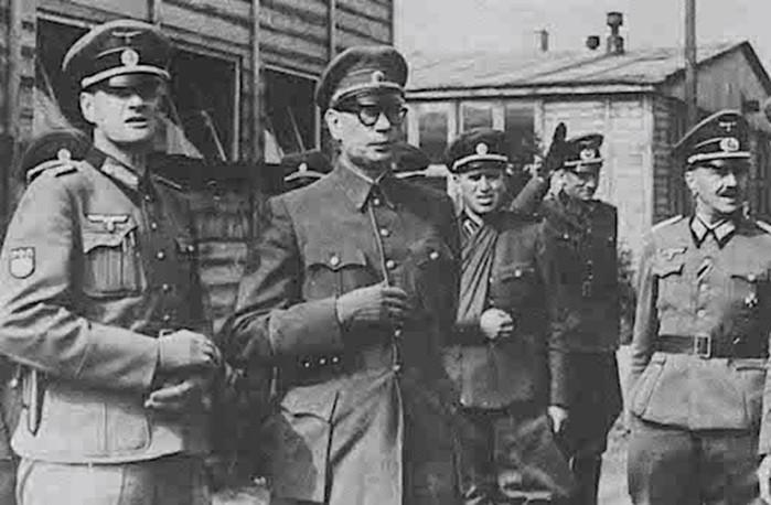 Почему генерал Власов предал Родину?