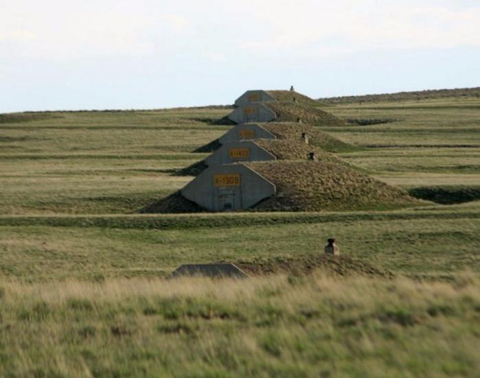 поселок из бункеров xPoint 5 (700x551, 295Kb)