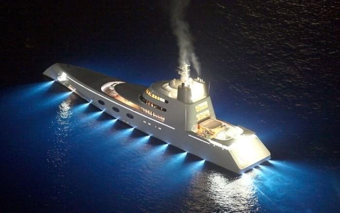 Новая яхта российского олигарха Андрея Мельниченко с отделкой из акульей и крокодиловой кожи