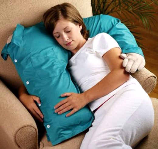 3. Комфортная подушка, которая обнимает (520x493, 224Kb)