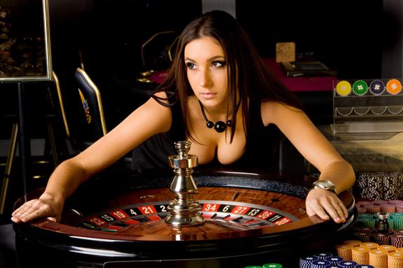 покер-против-рулетки (575x383, 170Kb)