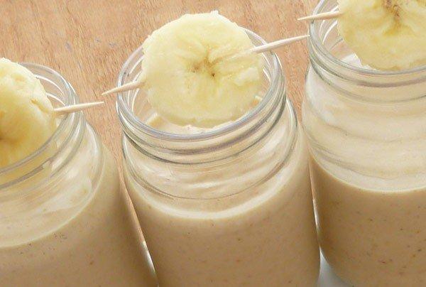 Смузи с бананом и овсянкой