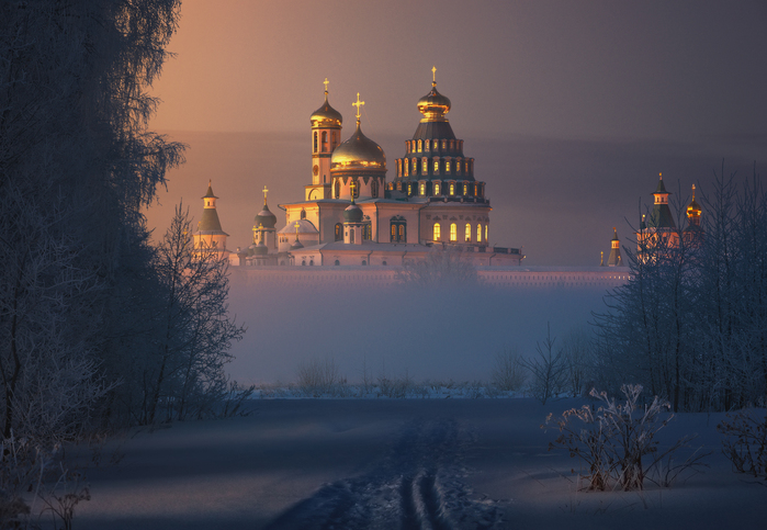 Ilya Melikhov (700x483, 281Kb)