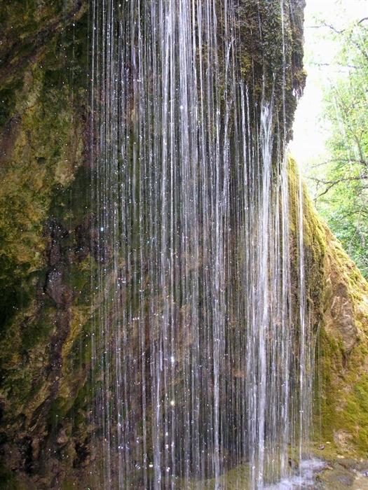 6108242_waterfall_20 (525x700, 306Kb)