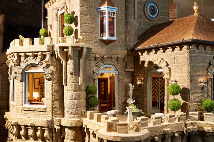 замок Astolat Dollhouse фото 3 (700x466, 494Kb)