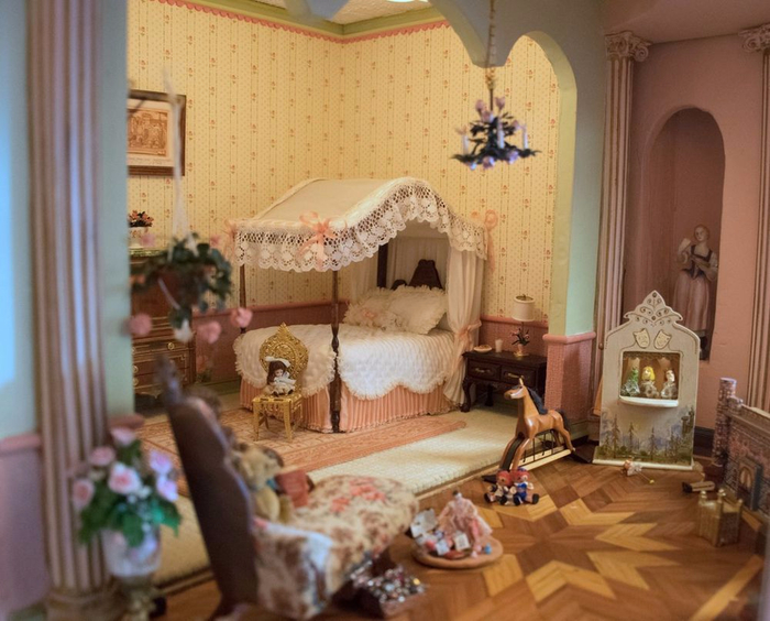 замок Astolat Dollhouse фото 14 (700x564, 382Kb)