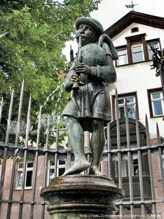Dudelsackpfeiferbrunnen_wz (525x700, 350Kb)