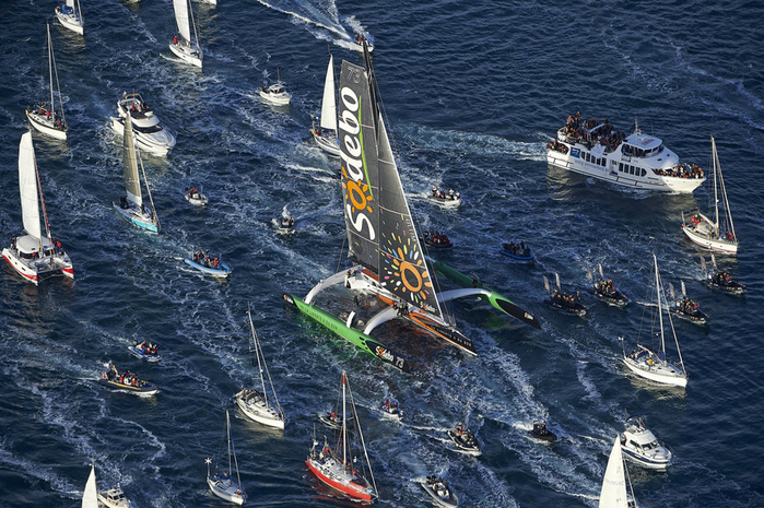 sailing-solo-around-the-world-record-thomas-coville-2016-1 (700x465, 233Kb)