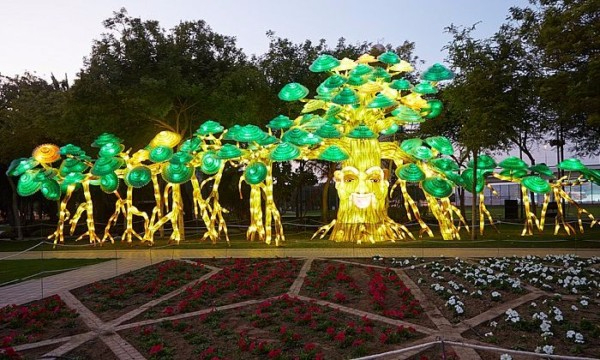 Светящийся-сад-в-Дубаи-Dubai-Garden-Glow-10 (600x360, 301Kb)