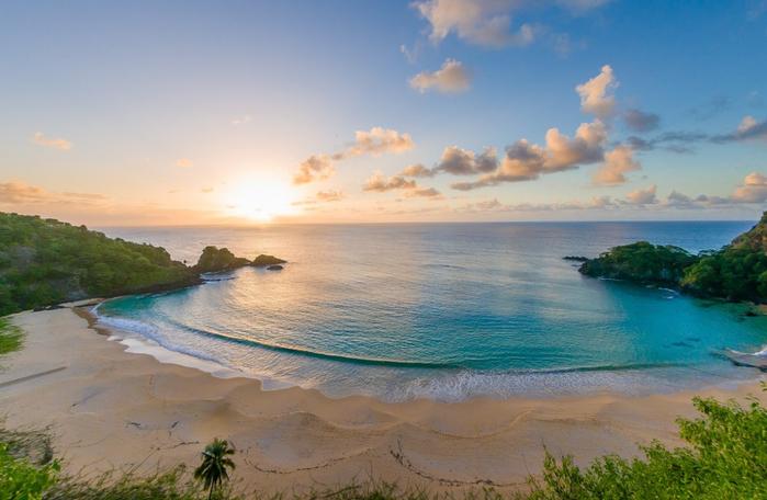 бразильский пляж Baia do Sancho 6 (700x456, 322Kb)