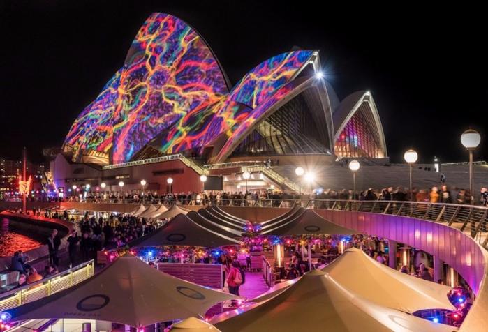 1. Сиднейский оперный театр, Сидней, Австралия (700x476, 368Kb)