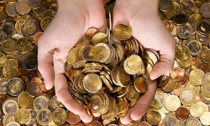 376412_evro_monety_ruki_1680x1050_www.Gde-Fon.com (700x422, 436Kb)