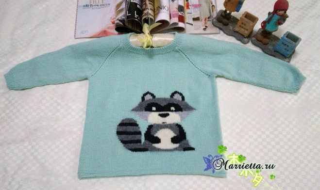 Детский пуловер с ЕНОТОМ спицами (6) (659x392, 197Kb)