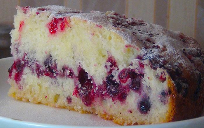 Сметанный-пирог-с-ягодами (700x437, 360Kb)