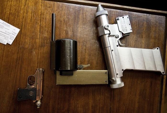 Лазерное оружие пистолеты, которыми советские космонавты вооружались против астронавтов США