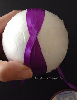 Декоративное пасхальное яйцо с цветами из лент. Мастер-класс (4) (247x320, 47Kb)
