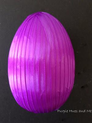 Декоративное пасхальное яйцо с цветами из лент. Мастер-класс (8) (300x400, 93Kb)