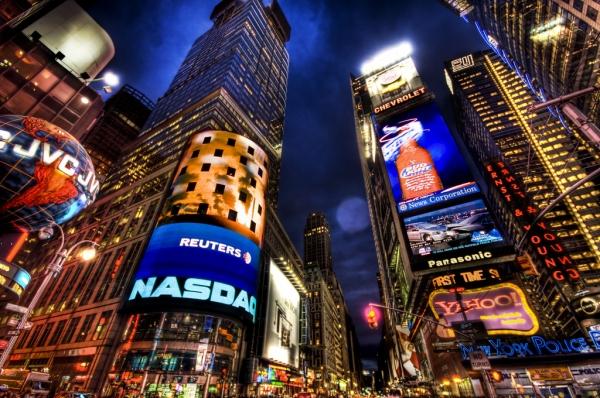 3085196_newyorkcitytimessquareatnight (600x398, 282Kb)