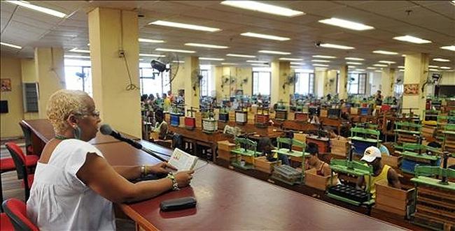 чтецы на табачных фабриках 8 (650x331, 270Kb)