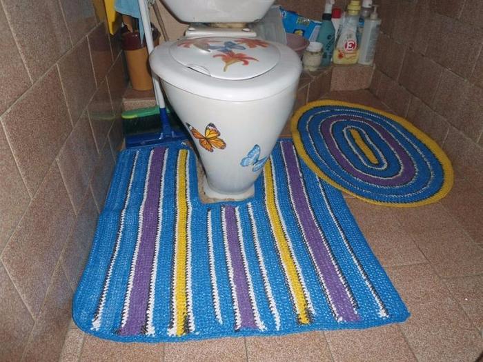 Как вязать коврики из мешков для мусора своими руками 25