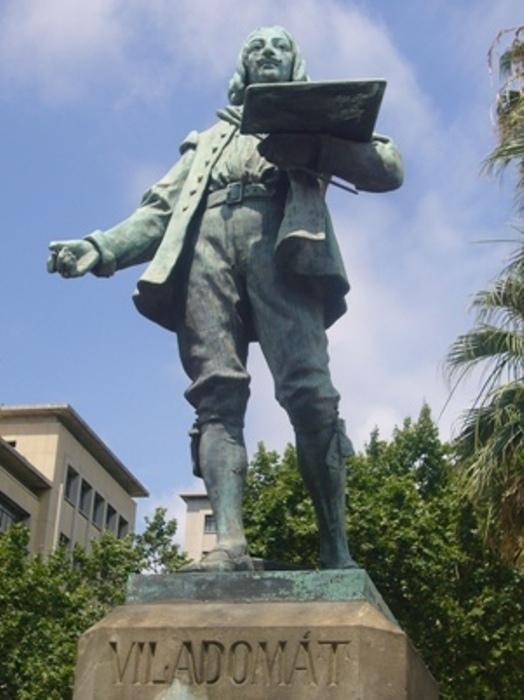 Monument_a_Viladomat_(Passeig_de_Llu?s_Companys_-_Barcelona)_02 (524x700, 114Kb)
