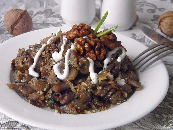 Салаты с жареными грибами/5281519_salat_s_gribami_jarenimi253720 (607x455, 59Kb)