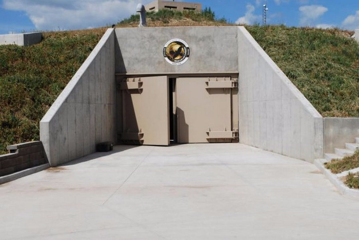 самые дорогие подземные бункеры 1 (700x469, 243Kb)