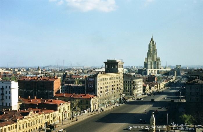 Вид на улицу Чайковского (ныне Новинский  бульвар) (700x457, 92Kb)