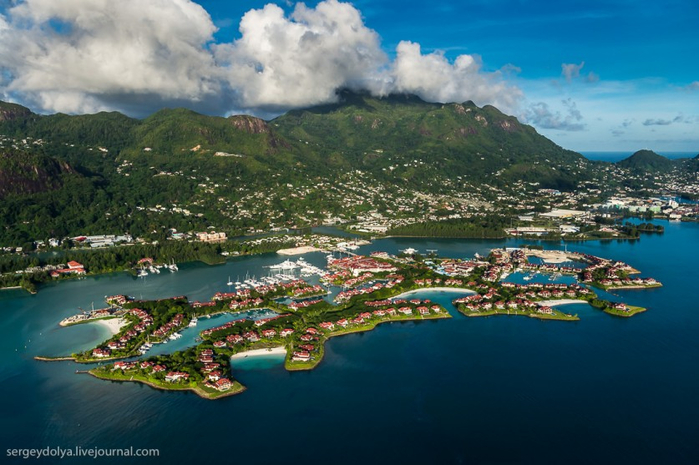 Seychelles-Islands-from-a-height-04 (700x465, 349Kb)