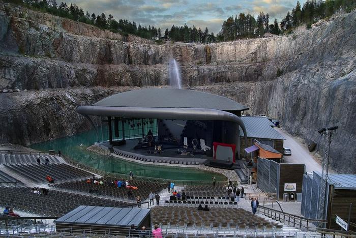 театр Дальхалла в швеции 5 (700x468, 394Kb)