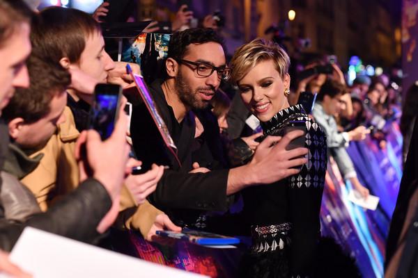 Scarlett+Johansson+Ghost+Shell+Paris+Premiere+8gP7zm9MvPnl (600x400, 246Kb)