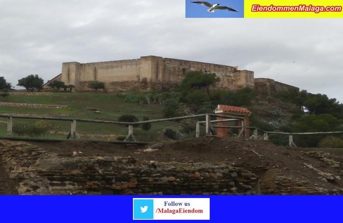 Фуэнхирола Крепость Соайль/2178968_Fuengirola_Krepost_Sohail (700x455, 85Kb)