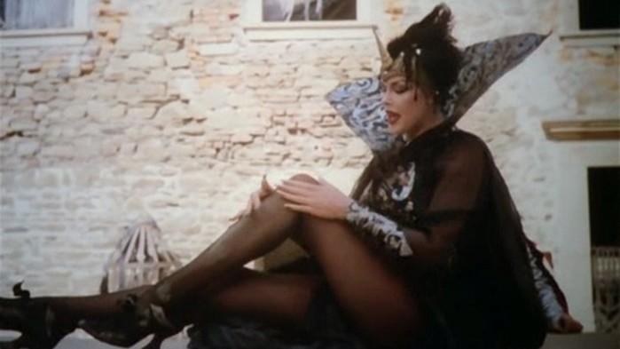 10 самых сексуальных ведьм из фильмов и сериалов