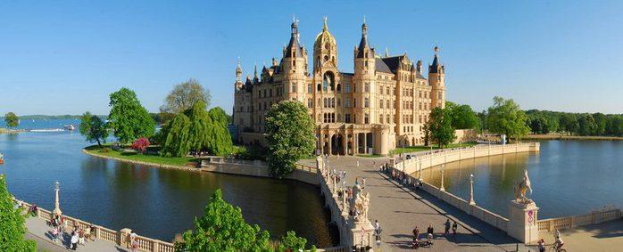 Schloss_Panorama_by_Balzerek_beschnitten (900x483, 44Kb)
