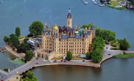 Schloss-Schwerin-Luftaufnahme_klein (900x720, 45Kb)