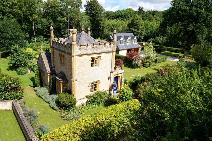 самый маленький замко великобритании Molly's Lodge 2 (700x468, 506Kb)