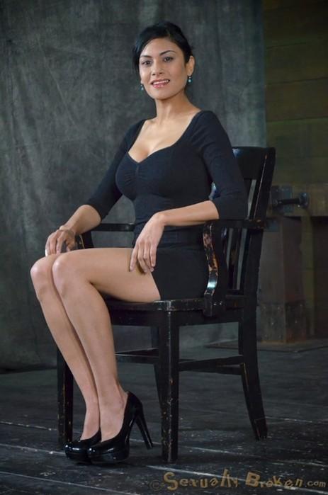 Актрисы «недетских» фильмов перед съемками (фотографии)