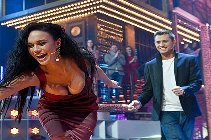 Как снимают новое шоу Первого канала «Короли фанеры» с Павлом Прилучным