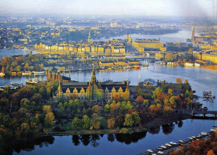 4897960_Stockholm_center_landscapef1 (700x499, 77Kb)