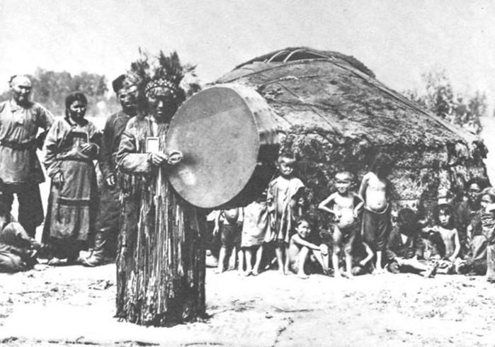 У каких народов России самые сильные шаманы?