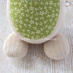 КЕНГУРУ с кенгуренком - изумительные игрушки из носков и фетра (32) (300x300, 91Kb)