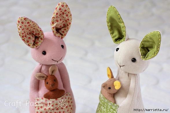 КЕНГУРУ с кенгуренком - изумительные игрушки из носков и фетра (38) (588x392, 161Kb)