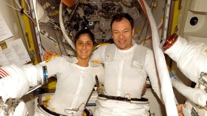 секс в космосе делают ли это космонавты