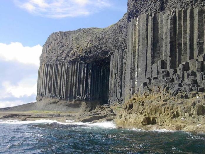 Базальтовое чудо «Тропинка великанов» и остров Стаффа на севере Европы