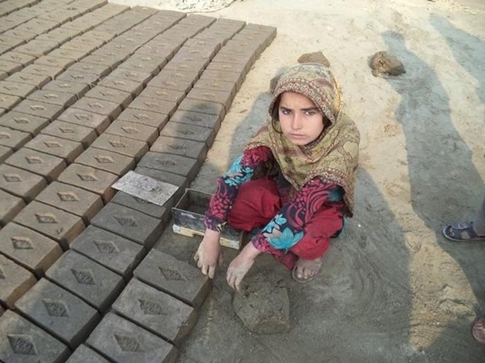 Современное детское рабство в Пакистане