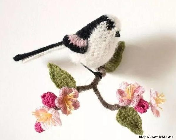 Птичий двор Jose Heroys. Вязаные птички, необыкновенной красоты (47) (599x475, 123Kb)