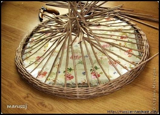 Столик со стеклом из газетных трубочек. ПЛЕТЕНИЕ (11) (528x380, 182Kb)