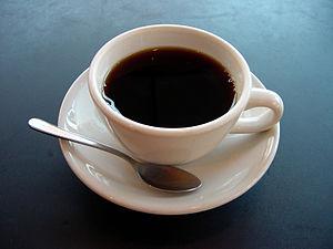 Молотый кофе вкуснее, чем растворимый кофе.